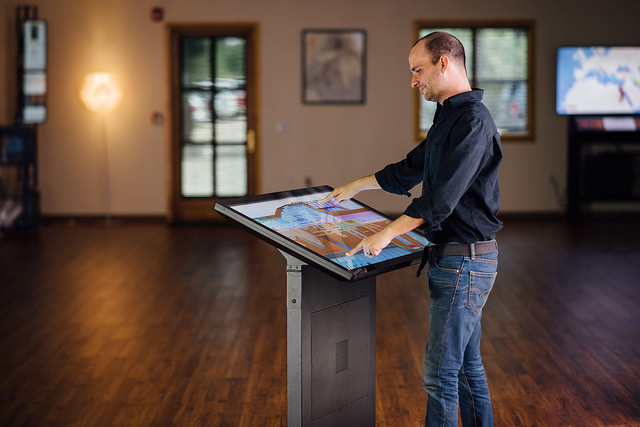 New Silver Nanowire 42″ Multitouch Screens (Video)